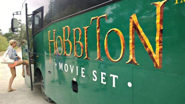 Hobbiton-Movie-set-bus