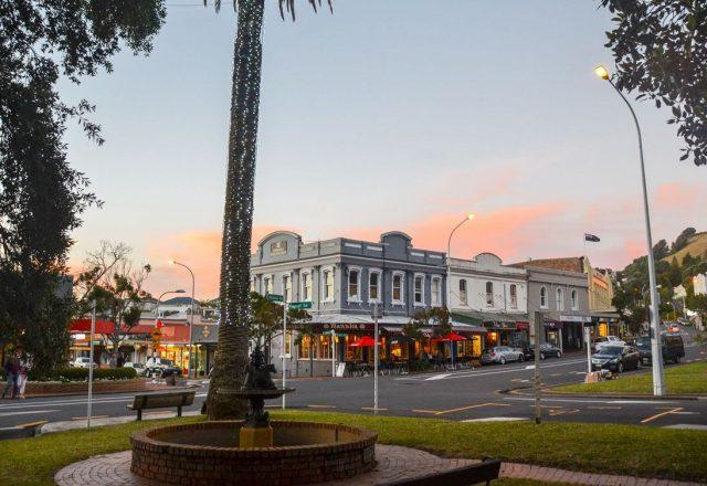 devonport-street-night
