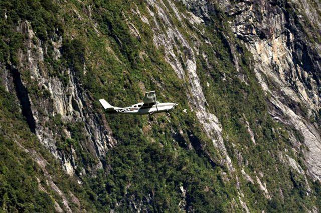 avion-milford-sound