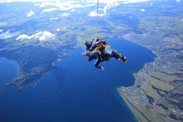 saut-parachute-taupo