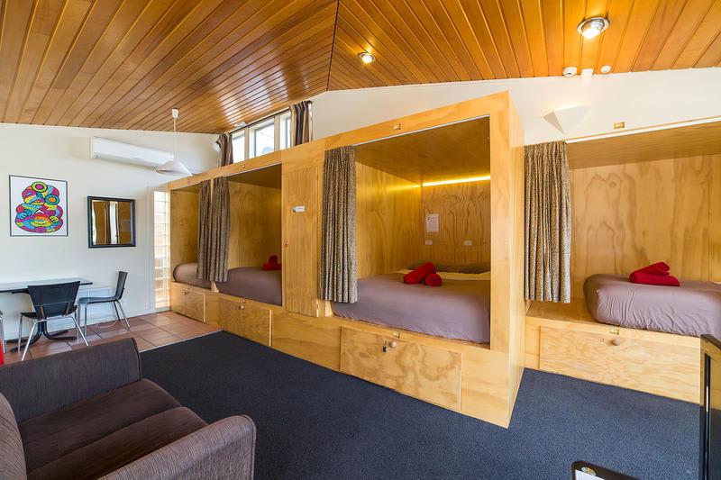 Sir-cedrics-tahuna-pod-hostel-queenstown