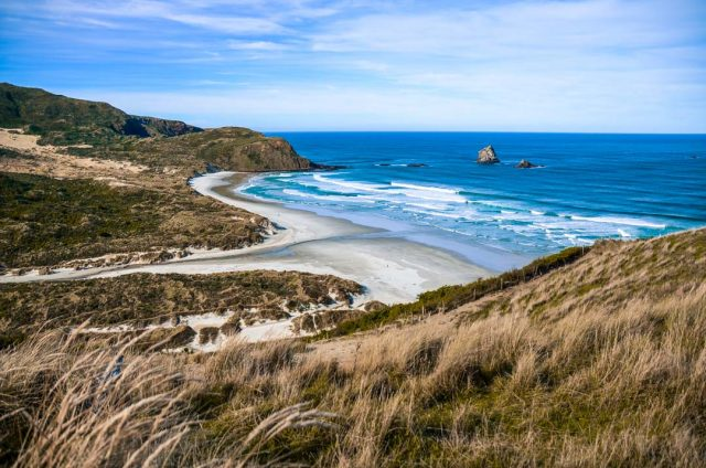otago-peninsula-sandflybeach