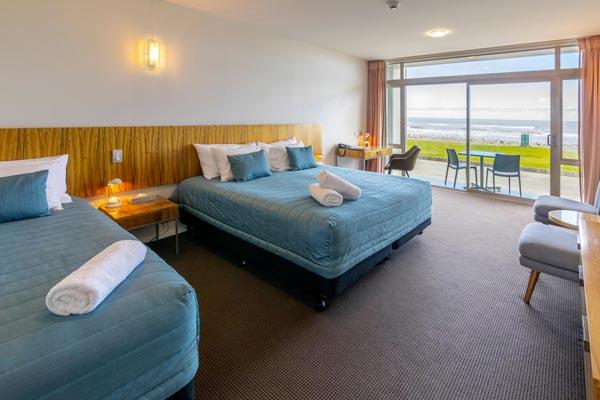 beachfront-hotel-hokitika